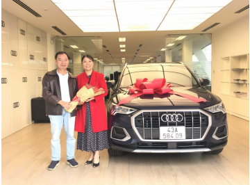 Lễ bàn giao xe Audi cho vợ chồng anh Thọ